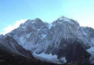 Грузинские альпинисты совершили первое в истории восхождение на северо-западную вершину горы Сараграр (7300 м)