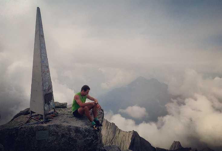 Филип Бабич (Filip Babicz) на на вершине горы Пиц Бадиле (Piz Badile, 3308м)