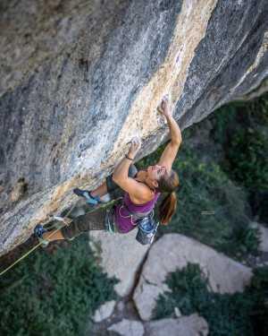 Энжи Скарт-Джонсон стала первой австралийкой, которая прошла маршрут категории 9а: