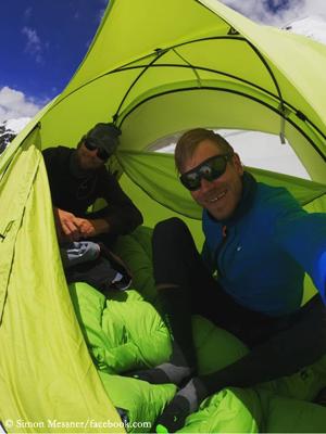 Саймон Месснер ( Simon Messner) и Мартин Зиберер (Martin Sieberer) в экспедиции на ранее никем непройденный семитысячник Пракпа Ри (Praqpa Ri, 7134 м)