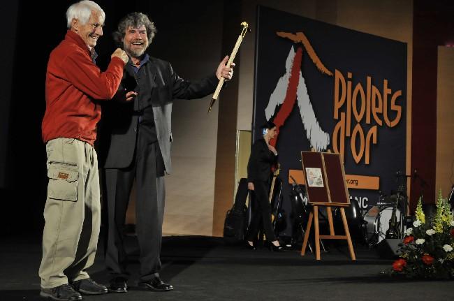 Walter Bonatti и Reinhold Messner на церемонии вручения в 2010 году