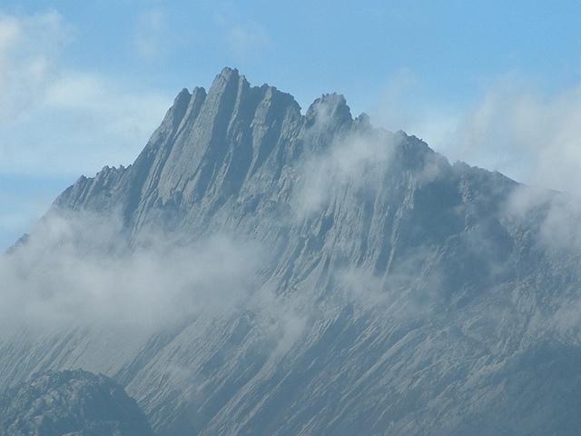 Puncak Trikora 4730 метров, Индонезия (Океания)