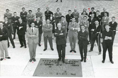 Звезды альпинизма на фестивале в Trento 1961. (Жорж в черном костюме с лева)