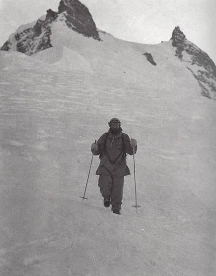Hermann Buhl (Герман Буль) возвращается с вершины Нанга Парбат (Nanga Parbat, 8126 м)