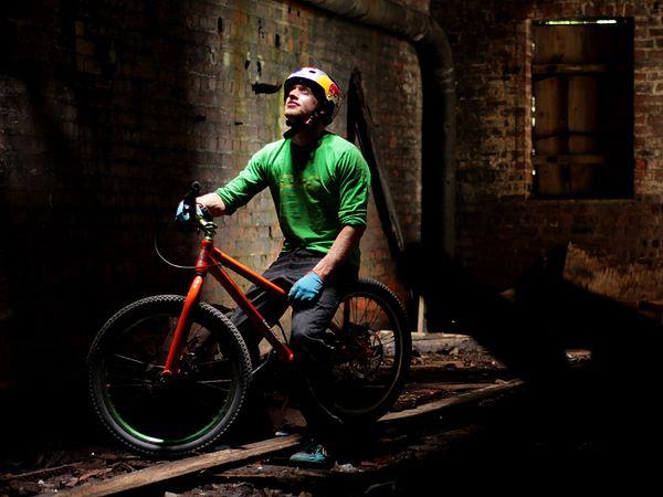 Danny MacAskill — шотландский велосипедист