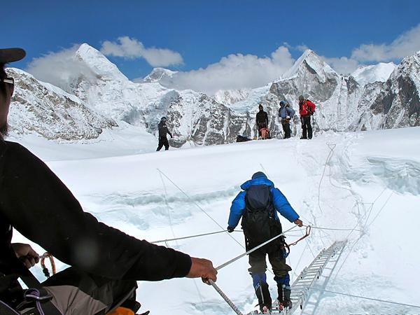 Lakpa Tsheri Sherpa и Sano Babu Sunuwar: восхождение на Эверест
