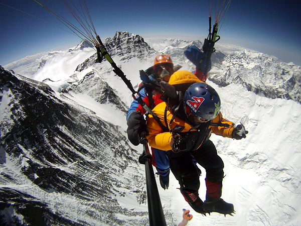 Lakpa Tsheri Sherpa и Sano Babu Sunuwar: парапланеризм с Эвереса