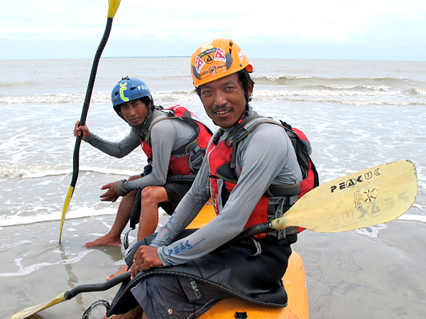 Lakpa Tsheri Sherpa и Sano Babu Sunuwar: у Бенгальского залива