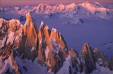 массив Сьерра Торе (Cerro Torre) 3128м