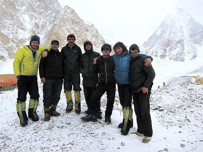 На фото зимняя экспедиция на Гашербрум I:  Carlos Suárez, Alex Txikon, Nisar Hussein, Gerfried Gösch