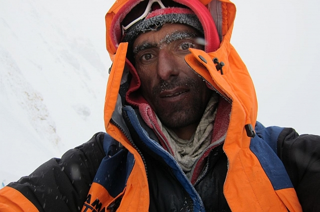 Nisar Hussein на высоте 6200 метров.  Гашербрум 1, зима 2012