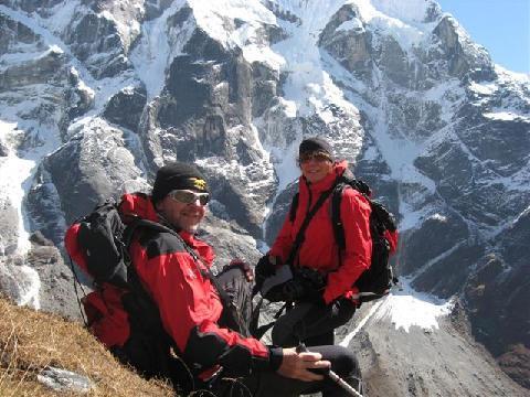 Romano Benet и Nives Meroi в 2010 году. Треккинг вокруг Mera Peak