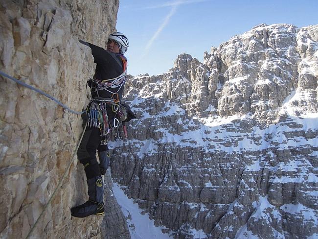 Simon Gietl на первом зимнем траверсе Tre Cime di Lavaredo, Dolomites