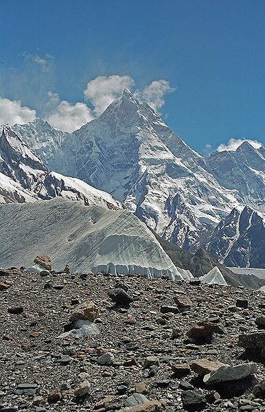 пик Masherbrum (7821 м).
