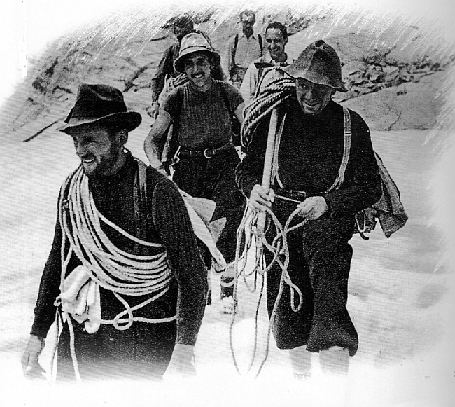 Слева направо: Riccardo Cassin, Ugo Tizzoni, Gino Esposito после покорения Walker Spur