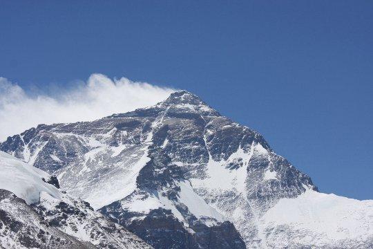 Вид на Эверест с севера