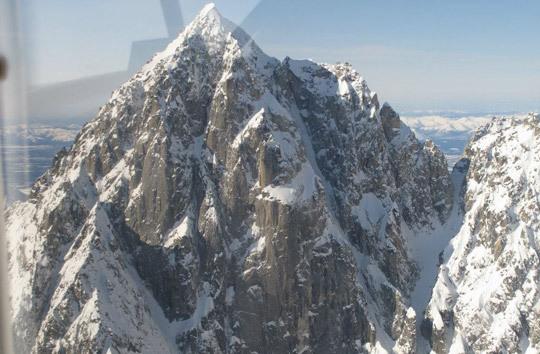 Восточная стена горы Golgotha (2724м)