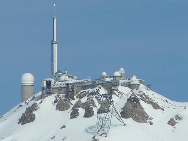 сегодняшний вид обсерватории на вершине пика Дю Миди (Pic du Midi)