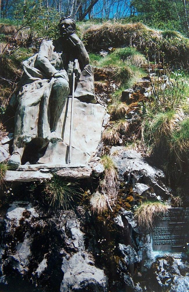 памятник Генри Расселу в деревне Gavarnie