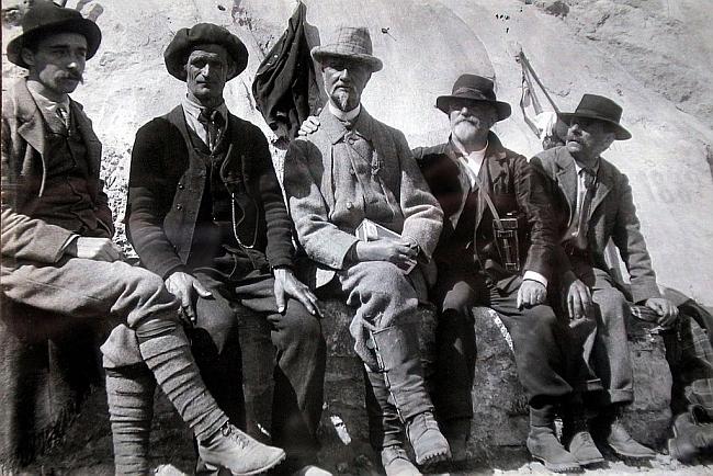 Генри Рассел (Henry Russell-Killough) с Haurine, Meys и Beraldi
