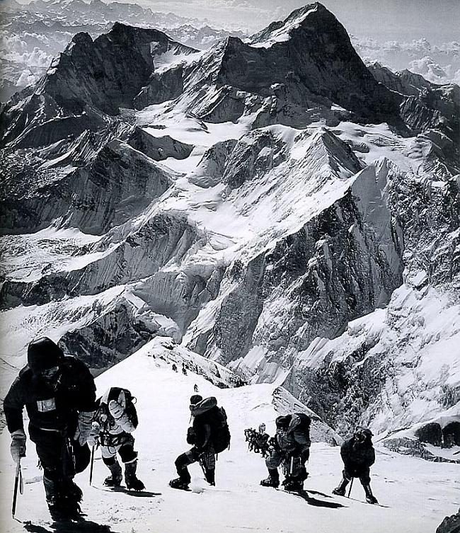 10 мая 1996 года. Восхождение на Эверест. Фото журналиста Джона Кракауэра (Jon Krakauer)