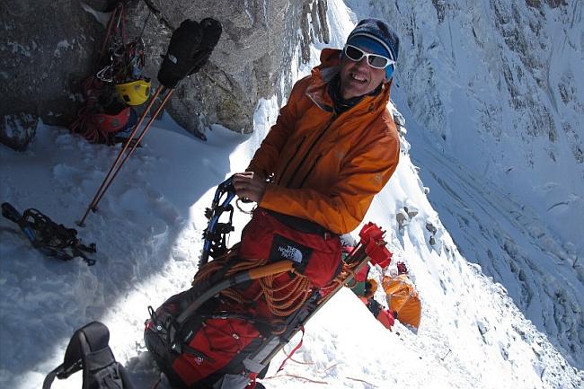 Симоне Моро (Simone Moro) во время зимней Экспедиции на Нанга Парбат. 2011/2012 год