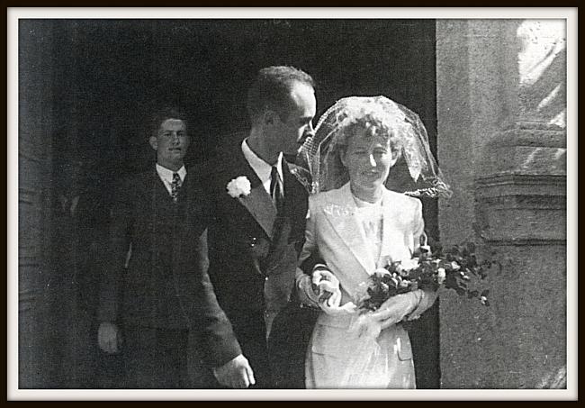 Лионель Террай  (Lionel Terray) жениться. Gaston Rebuffat на заднем плане