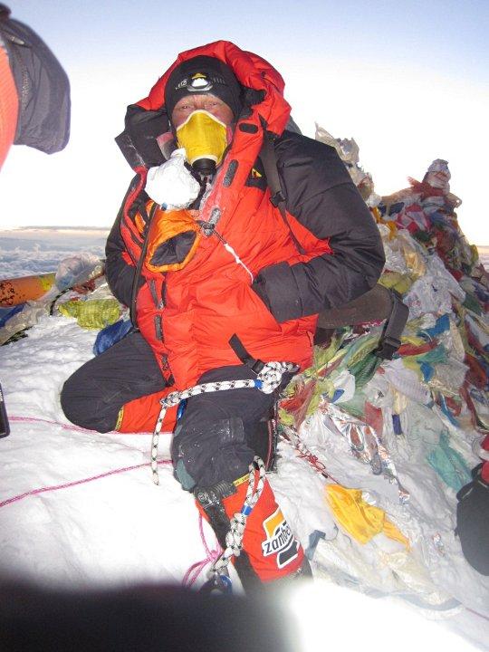 Виталий Кутний на вершине Эвереста. 19 мая 2012 года