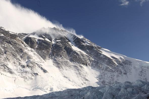 Эверест с базового лагеря (6400 м)