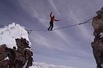Stefan Siegrist впервые проходит на слэклайне на Маттерхорне (4478 м)