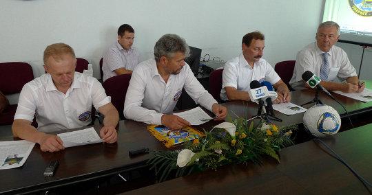 Справа налево: Анатолий Романович Вовченко, Виталий Кутний, Сергей Ковалев, Олег Палий.