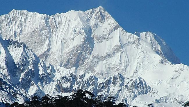 Канченджанга вид с восточной стороны ледника Zemu
