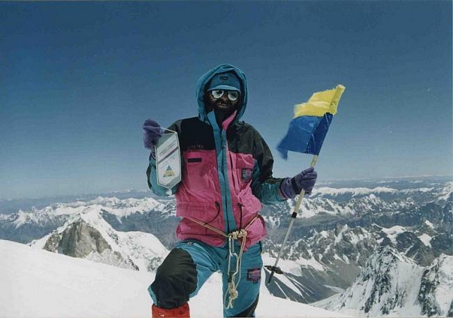 первый украинец (Г.Копейка) на вершине пика К-2 (Чогори) 8611м. (фото В.Балыбердина)