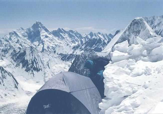 Лагерь 2 (6500м). прекрасный вид на Каракорумы