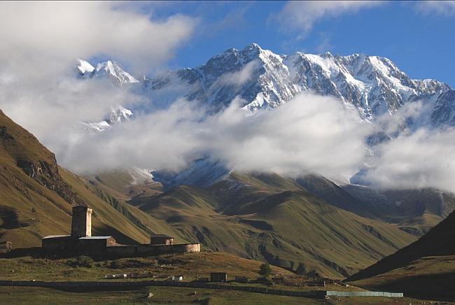 Шхара (Shahara, 5068 м) - высочайшая вершина Грузии