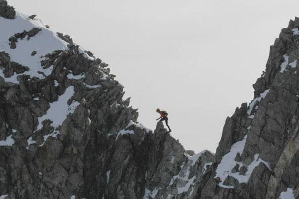 Kilian Jornet совершает соло-забег по маршруту Курмайор-Монблан-Шамони всего за 8 часов 42 минуты!