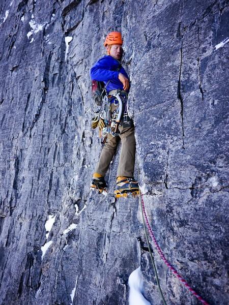 Jason Kruk на новом маршруте по Северной стене Mt. Alberta