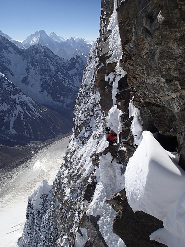 Дмитрий Головченко на Северо-Восточной стене Muztagh Tower (7276 м, Каракорум, Пакистан)