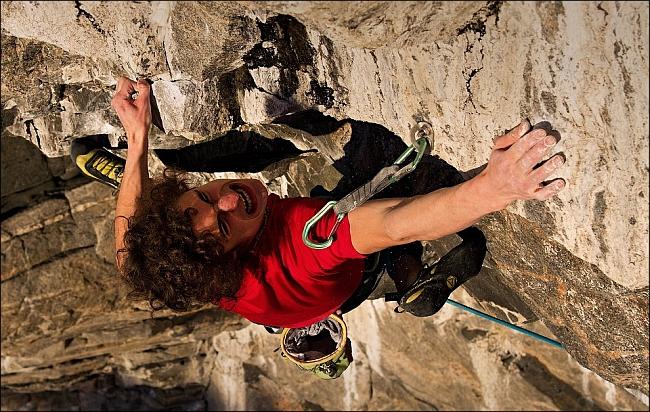 """Adam Ondra: на сложнейшем движении нового маршрута """"The Change"""" 9b+ , Hanshelleren cave"""