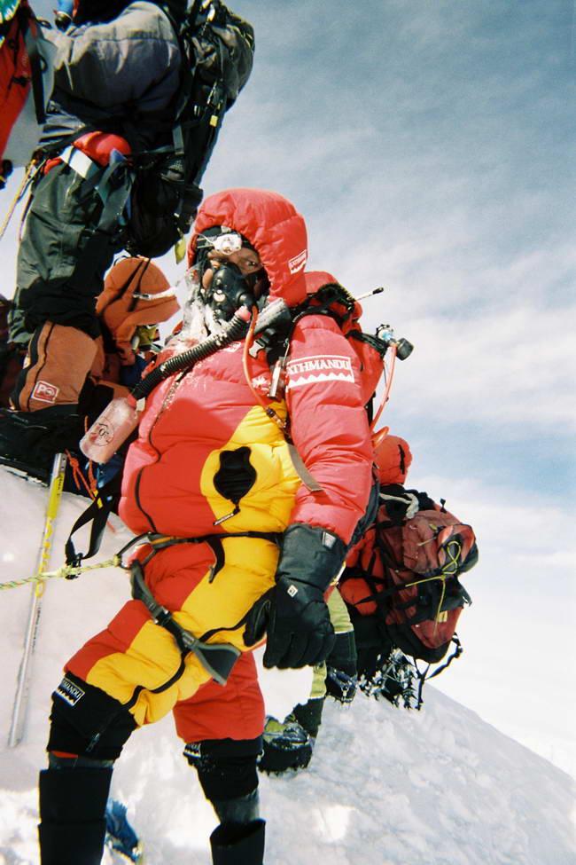 Марк Инглис (Mark Inglis) на вершине Эвереста