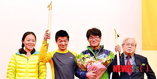 С лева направо:  Lee Shuang (Китай), Zhou Peng (Китай), Kim Chang - Ho (Корея)