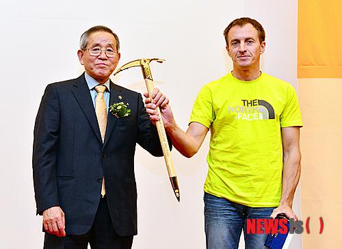 Денис Урубко - призер Золотой Ледоруб Азии 2012 года (Piolets D'Or Asia 2012)