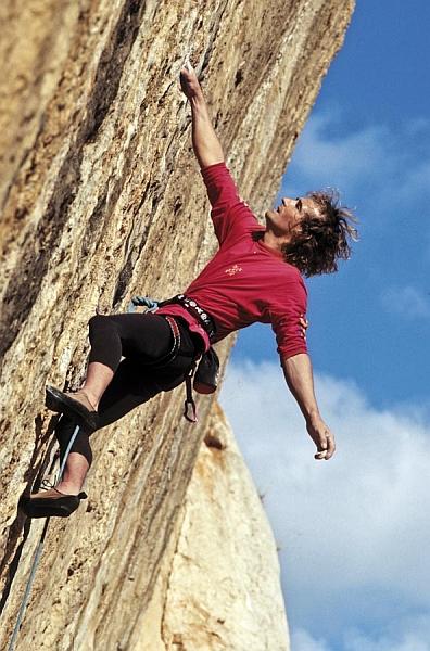 Патрик Эдлинже (Patrick Edlinger) на скалах Франции 1994 год