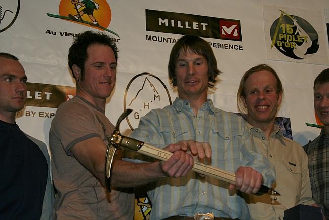 Стив Хаус ( Steve House, США) и Винс Андерсон (Vince Anderson, США) на церемонии Золотой Ледоруб
