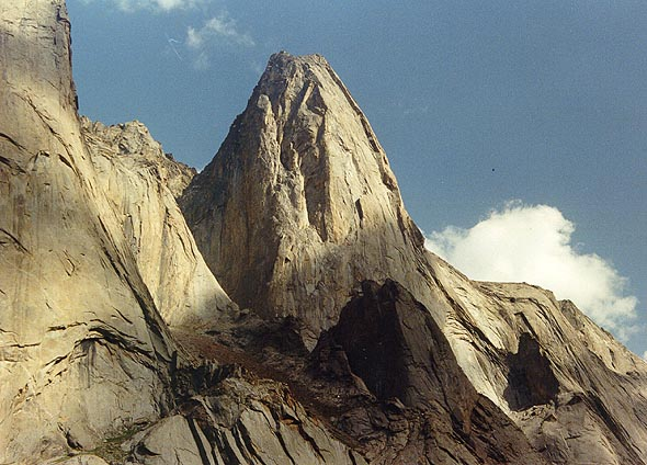 пик Слесова (Russian Tower / Slesov peak. Каравшин)