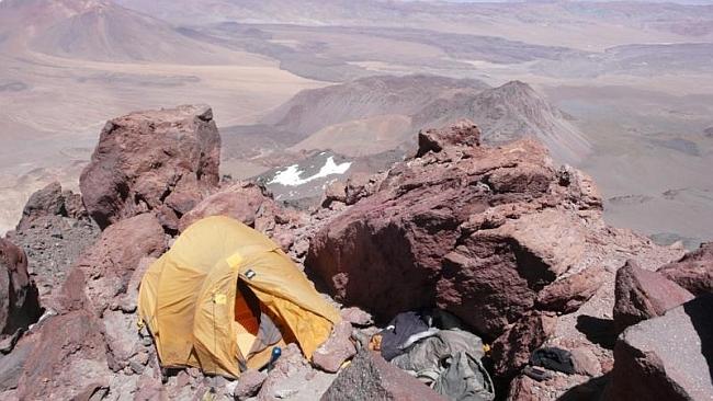 Лагерь Maximo Kausch у вершины Socompa (6.050 м)