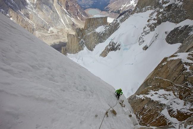 """В середине маршрута  """"Tobogan"""" (Cerro Standhardt Патагония)"""