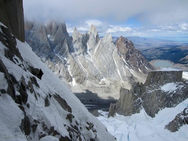 """вид с середины маршрута  """"Tobogan"""" (Cerro Standhardt Патагония)"""