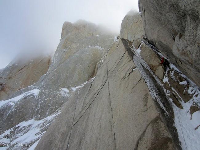 """Последняя веревка на  маршруте """"Tobogan"""" (Cerro Standhardt Патагония)"""