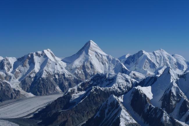Вид на пик Хан-Тенгри (7005м) с высоты в 6400 метров